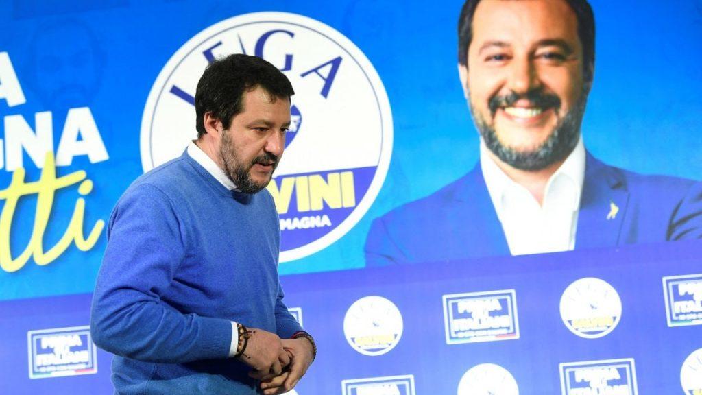Indagine di Diasorin, il nome di Salvini appare in una chat: presunta pressione sui sindaci a favore di test alternativi