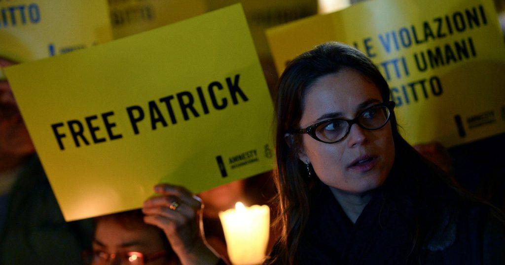 """Patrick Zaki rimane in prigione: i giudici egiziani rinnovano le pene detentive di 45 giorni. Zingaretti: """"Il governo è attivo con l'UE"""""""