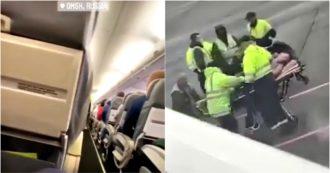 Russia, ricoverato in ospedale l'avversario Navalny: in un video le urla a bordo dell'aereo su cui viaggiava e il soccorso