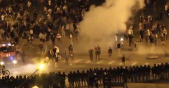 Bielorussia, scontri tra polizia e manifestanti dell'opposizione dopo la schiacciante vittoria di Lukashenko. Almeno un morto e decine di feriti