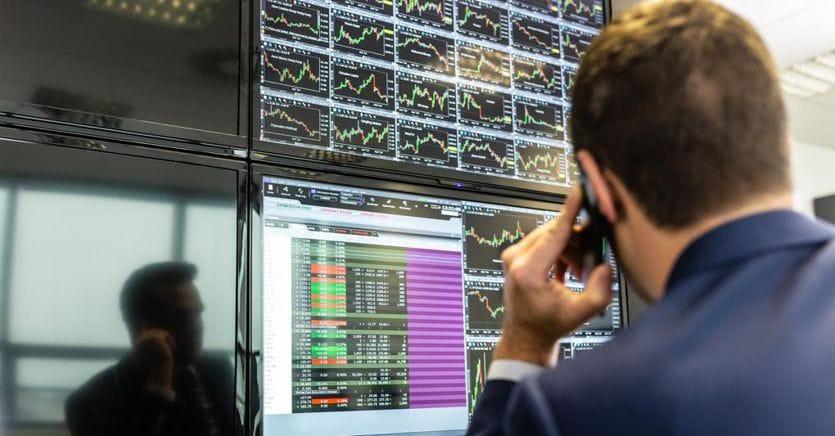 Borse in rosso, in attesa del discorso di Powell. A Milano scende DiaSorin. Tariffe in calo nell'asta BoT