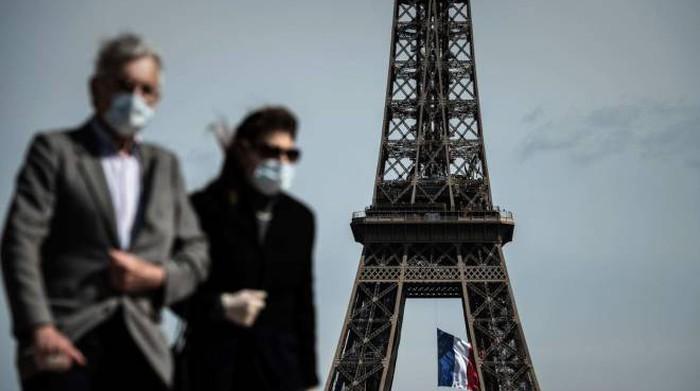 Coronavirus, 20mila contagi in Spagna in 7 giorni. Parigi: maschere da esterno