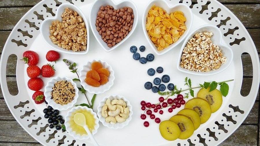 Lei mangia più di me, ma io ingrasso e lei no: perché? La risposta è nel profilo metabolico – La Stampa